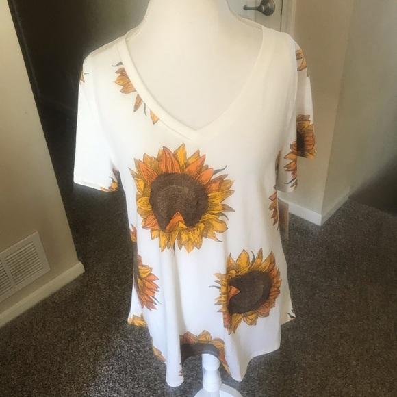 d8af875e7af70f LuLaRoe Tops | Sunflowers Christy T | Poshmark